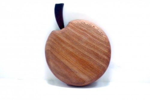mini-apple-shaped-wooden-chopping-board-Tommy-Woodpecker-Woodworks