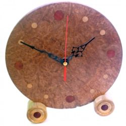handmade-wooden-clock