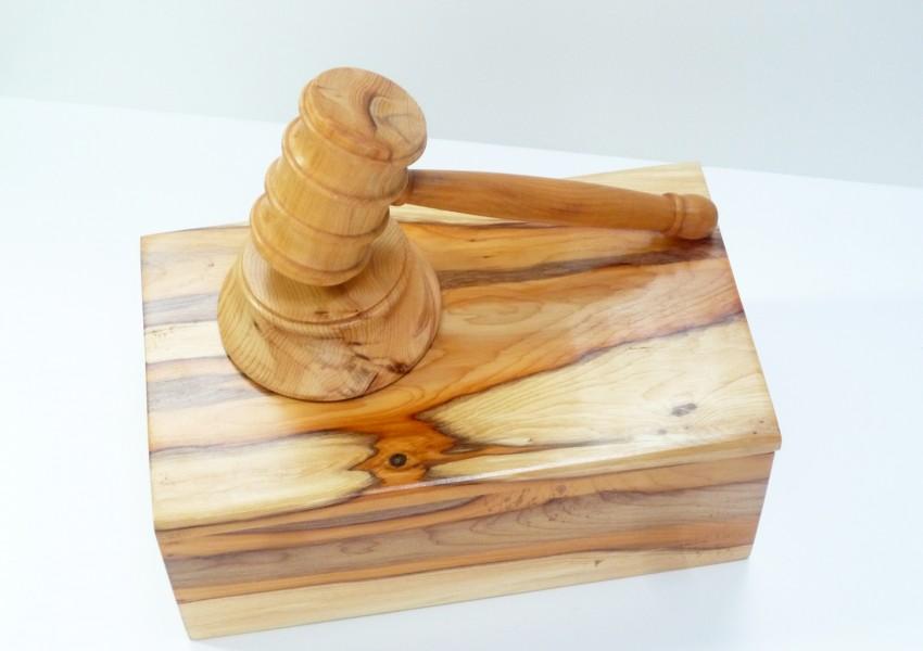 english-yew-boxed-gavel-set