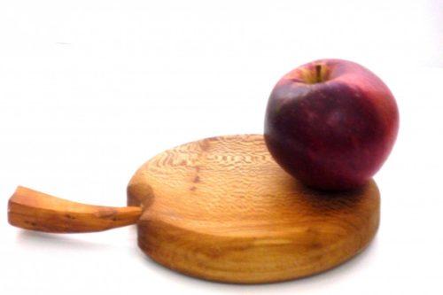 wooden-chopping-board-apple-shaped