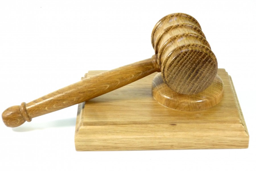 wooden-gavel-and-block