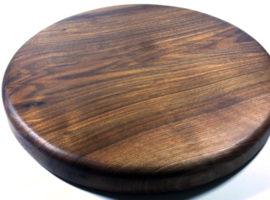 walnut wooden chopping cutting board