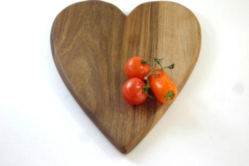 wooden heart shaped chopping board